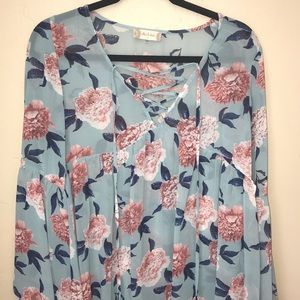 Tops - cute blouse